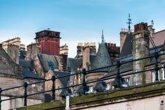 Gränd i gammal stad för Edinburg Arkivbild