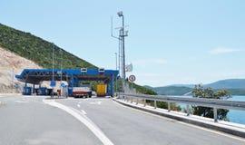 Gränsövergång mellan Kroatien och Bosnien och Hercegovina Arkivbild