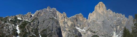 Gräns av San Martino, Dolomites, Italien Royaltyfri Bild