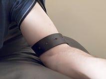 gräns för manlig för armbälteläder Arkivfoton