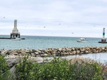 Gränsmärke vid vatten i port Washington, Wisconsin royaltyfri foto