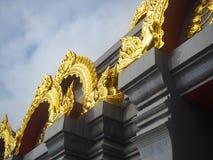 GränsmärkeSinakarintra Stit Mahasantikhiri pagod, Chiang Rai som är nordligt av Thailand royaltyfri fotografi