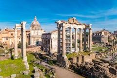 Gränsmärket för Rome ` s Roman Forum fördärvar arkivfoton