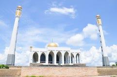 Gränsmärket publicerar den centrala moskén Songkhla, Thailan royaltyfria foton