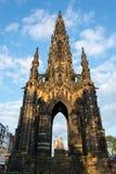 Gränsmärket Scott Monument i Edinburg i eftermiddagsolen Royaltyfri Foto
