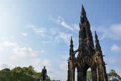 Gränsmärket Scott Monument i Edinburg i eftermiddagsolen Arkivbilder