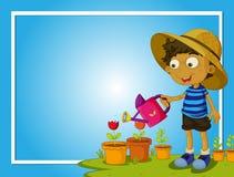 Gränsmall med pojken som bevattnar blommor Arkivfoton