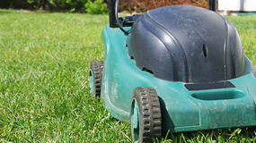 gräsklippare Fotografering för Bildbyråer