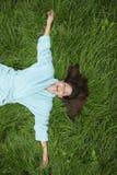 gräskvinna royaltyfri fotografi
