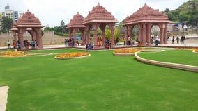 Gräslandskapdesign av templet royaltyfria bilder