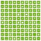 gräsplan för grunge för 100 utbildningsteknologisymboler fastställd Arkivbilder