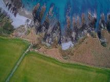 Gräsplan och blått Royaltyfri Foto