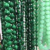 Gräsplan pryder med pärlor Royaltyfria Bilder