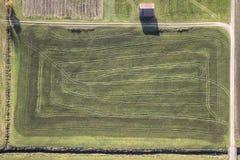 Gräsplan sätter in flyg- sikt Arkivbild