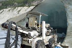 Gräva franska glace chamonix fjällängar för maskinmerde Royaltyfria Bilder