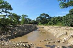 Grävd flod arkivbild