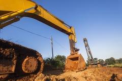 Grävskopa Bin Crane Construction Site fotografering för bildbyråer