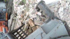 Grävskoparöjningskräp stock video