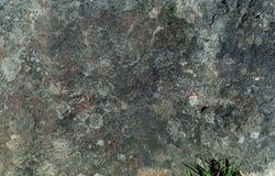 Grå bakgrund av den naturliga bergstenen, begrepp av naturliga byggnadsmaterial, kopieringsutrymme Arkivbild
