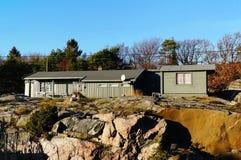 Grå bungalow för sommaren Royaltyfri Foto