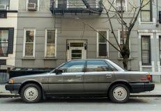 Grå färger Toyota Camry 1986-1990 Arkivfoton