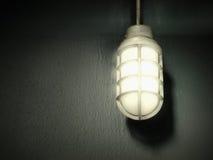 grå lampstålvägg Arkivbilder