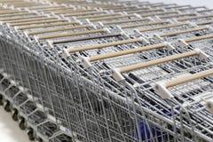 Grå shoppingvagn Arkivfoton