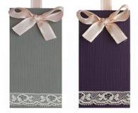 Gråa och purpura etiketter Royaltyfri Foto