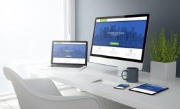 gråa studioapparater med websiten för modern design Arkivbild