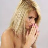 gråta pray01 Fotografering för Bildbyråer