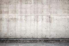 Grått betongvägg och golv, textur för främre sikt Royaltyfri Bild