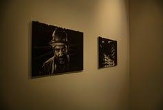 GRÉCIA, ATENAS - 25 DE MARÇO DE 2017: Uma exposição em Stavros Niarchos Foundation Cultural Center imagem de stock