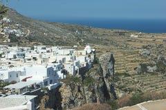 Grécia, a ilha de Folegandros Uma vista ao Kastro e ao Chora fotografia de stock