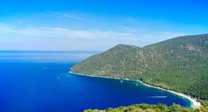 Grécia-Kefalonia Sami - praia de Antisamos imagem de stock