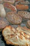 Grésillement du barbecue de Smokey images stock