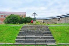 Grób żołnierze spadać przy zdobyczem Noteburg w 1702 w Fortecznym Oreshek blisko Shlisselburg, Rosja Fotografia Royalty Free