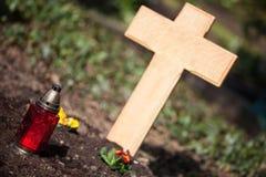 Drewniany krzyż na grób Zdjęcie Royalty Free