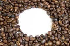Grões Roasted do café preto imagens de stock