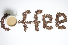 Grões Roasted do café preto imagens de stock royalty free
