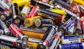 Größe der Batterien AA Stockbild