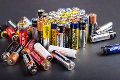 Größe der Batterien AA Lizenzfreie Stockfotos