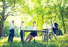 Grön affär Team Environmental Positive Concept Arkivfoto