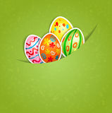 Grön bakgrund för påsk med ägget Royaltyfria Foton