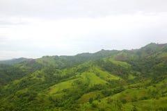 grön bergsikt Fotografering för Bildbyråer