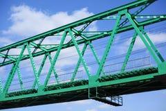 Grön bro till framtid Royaltyfria Bilder
