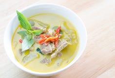 Grön curry med griskött Arkivbild