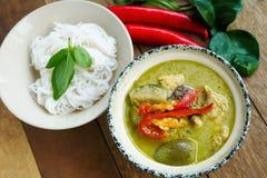 Grön curry med höna arkivfoto