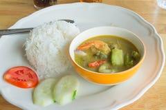 Grön curry med räka Royaltyfria Foton