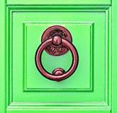 Grön dörr Arkivbild