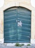 Grön dörr Royaltyfri Foto